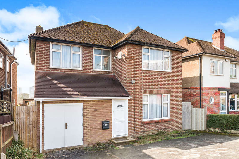 4 Bedrooms Detached House for sale in Sedlescombe Road North, St. Leonards-On-Sea, TN37