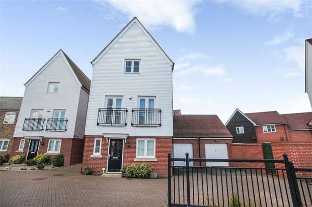4 Bedrooms Detached House for sale in Little Causeway, Wixams, Bedford
