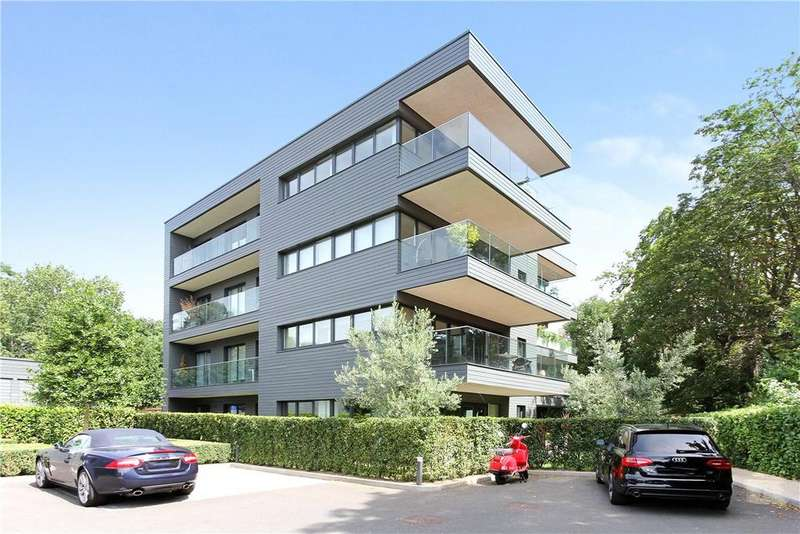 2 Bedrooms Apartment Flat for sale in Halcyon Close, London, SW13
