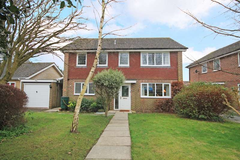4 Bedrooms Detached House for sale in Nightingale Walk, Billingshurst, RH14