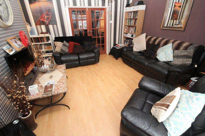 3 Bedrooms Terraced House for sale in Eden Street, Rochdale OL12 6SN