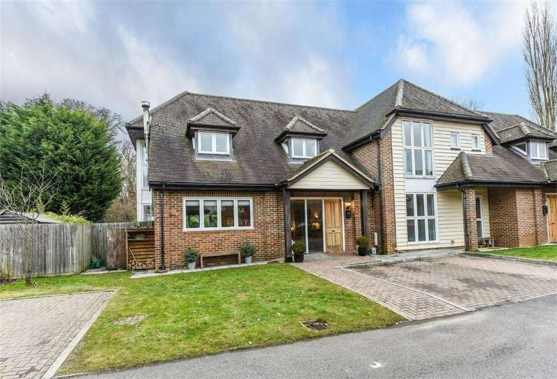 4 Bedrooms Semi Detached House for sale in Holt Barns, FRITH END, Hampshire
