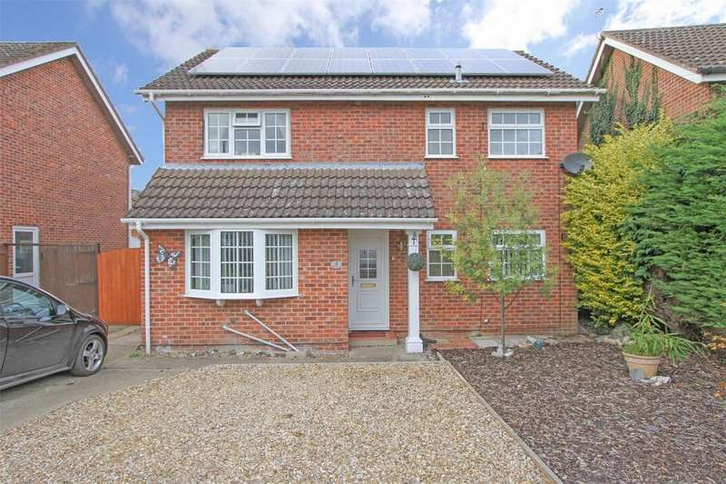 3 Bedrooms Detached House for sale in Pond Road, Toftwood, Norfolk