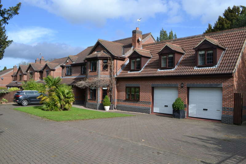 4 Bedrooms Detached House for sale in Coddington, Orchard Park