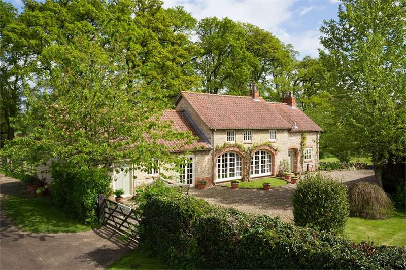 4 Bedrooms Barn Conversion Character Property for sale in Brinkburn Barn, Brookside, Hovingham