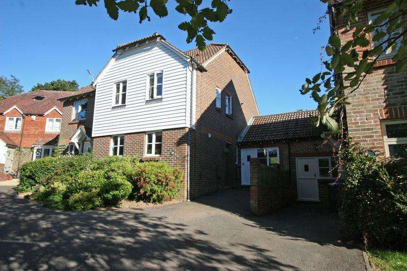 3 Bedrooms Semi Detached House for sale in Trinity Road, Hurstpierpoint