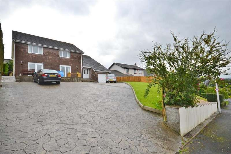 5 Bedrooms Detached House for sale in Carmarthen