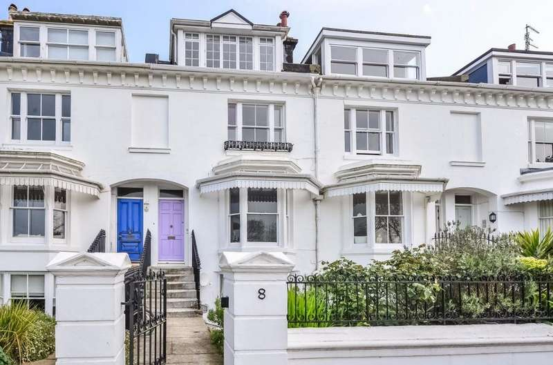 3 Bedrooms Flat for sale in Clifton Terrace Brighton East Sussex BN1