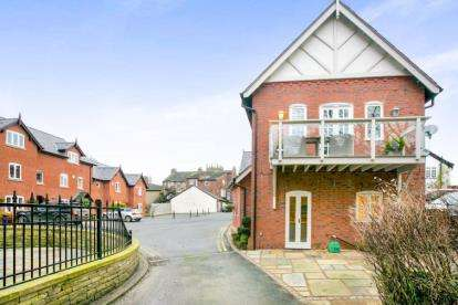 3 Bedrooms Mews House for sale in Spencer Mews, Prestbury, Macclesfield, Cheshire