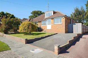 3 Bedrooms Bungalow for sale in Elvin Crescent, Rottingdean, Brighton, East Sussex