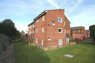 1 Bedroom Flat for sale in The Conifers, Bedfordwell Road, Eastbourne, East Sussex