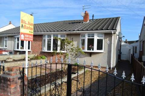 2 Bedrooms Semi Detached Bungalow for sale in Nutwell Road, Weston-Super-Mare