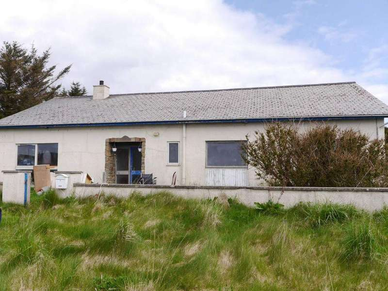 4 Bedrooms Garages Garage / Parking for sale in Treetops, Lyness, Hoy