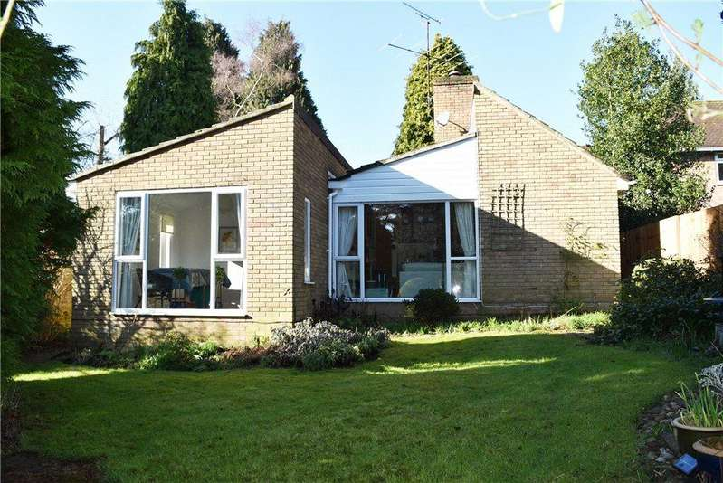 4 Bedrooms Detached Bungalow for sale in Copper Beech Way, Leighton Buzzard