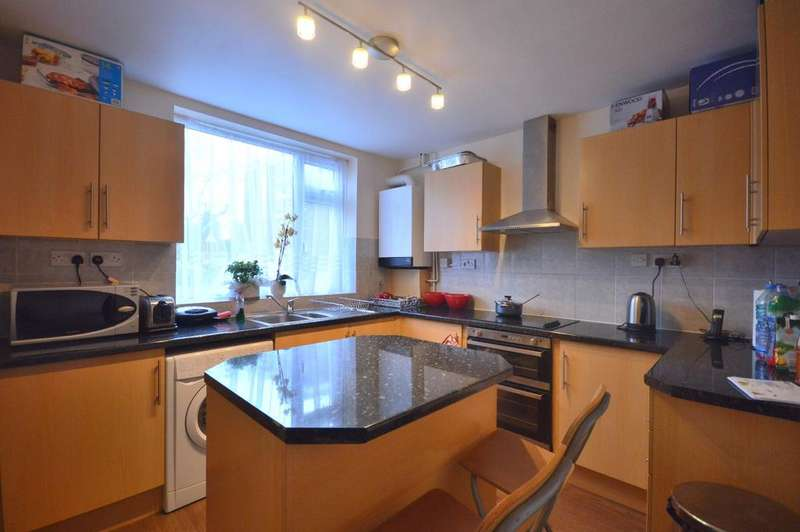 4 Bedrooms Terraced House for sale in Ardley Close Catford SE6