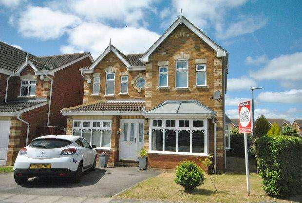 4 Bedrooms Detached House for sale in Utgard Way, Scartho Top, GRIMSBY