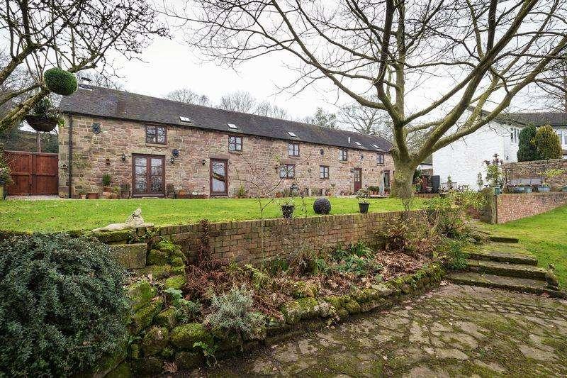 4 Bedrooms Detached House for sale in Leek Old Road, Longsdon