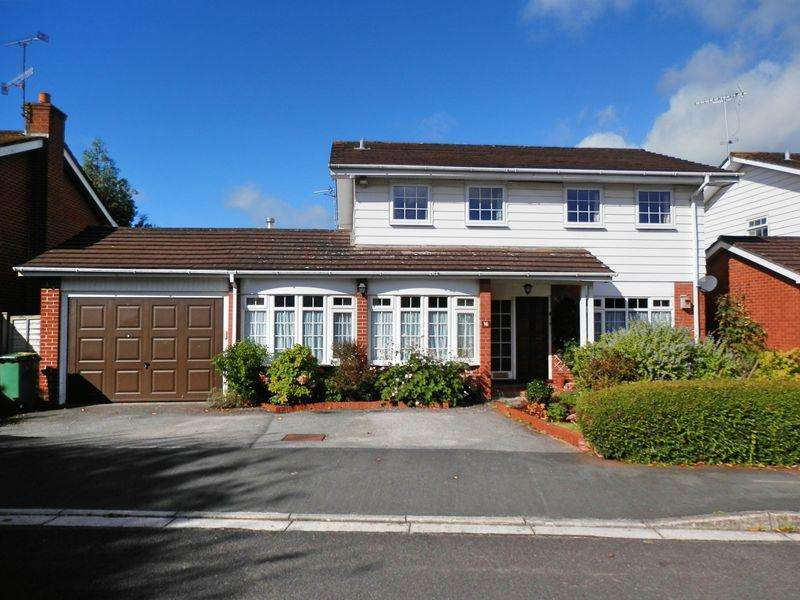 4 Bedrooms Detached House for sale in Round Oak Grove, Cheddar
