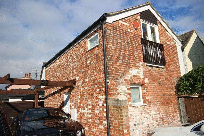 2 Bedrooms Retirement Property for sale in CHRISTCHURCH TOWN CENTRE