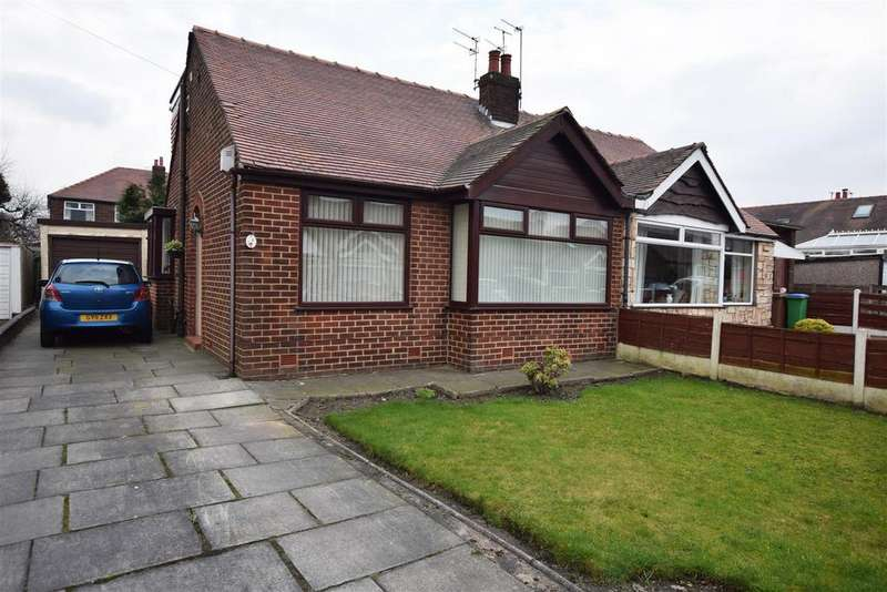 3 Bedrooms Semi Detached Bungalow for sale in Crossby Close, Alkrington, Middleton