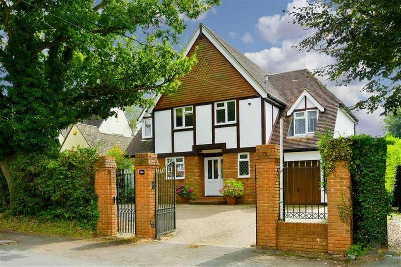 4 Bedrooms Detached House for sale in Green Lane, Lower Kingswood Tadworth, Surrey
