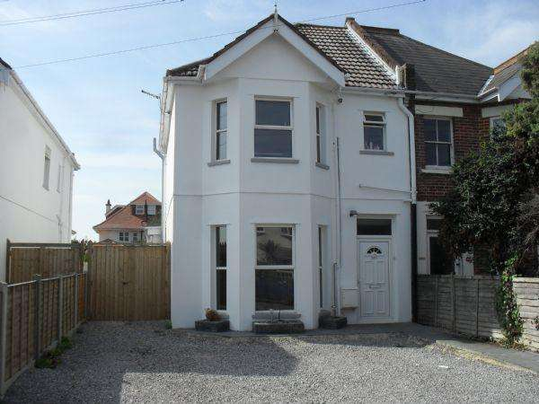 2 Bedrooms Ground Flat for sale in Stewart Road, Charminster, Bournemouth BH8