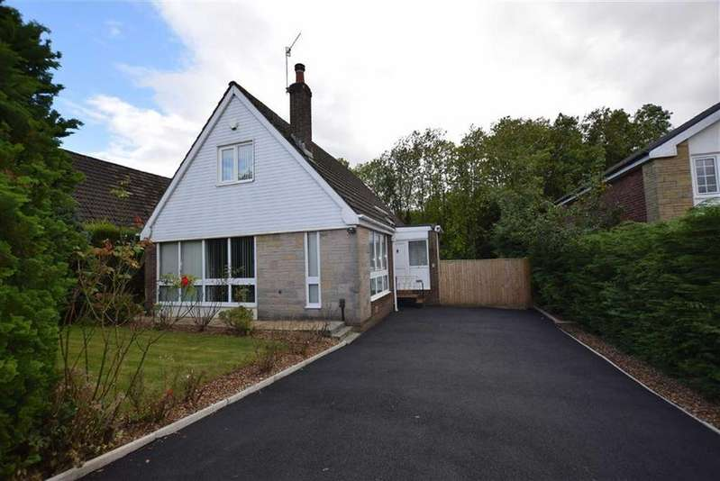 3 Bedrooms Detached House for sale in Roundwood Avenue, Burnley, Lancashire