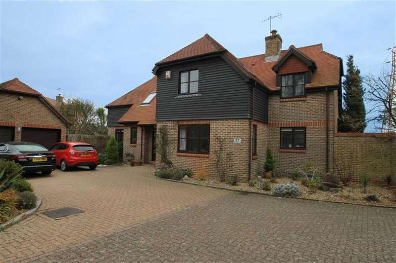 Detached House for sale in East Drive, Angmering, West Sussex