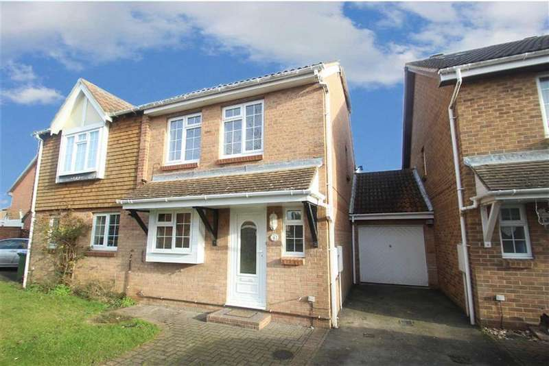 4 Bedrooms Semi Detached House for sale in Derwent Close, Littlehampton, West Sussex