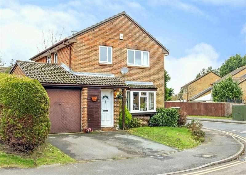 4 Bedrooms Detached House for sale in Fordwells Drive, The Warren, Bracknell, Berkshire