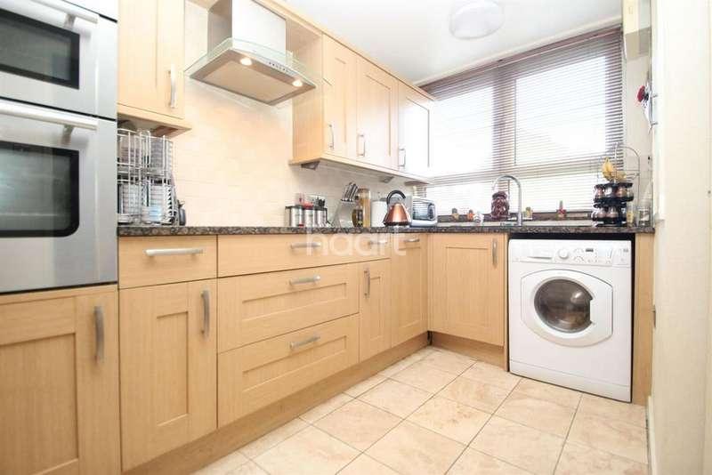 3 Bedrooms Maisonette Flat for sale in Harberson Road, London, E15