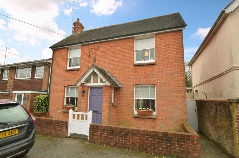 3 Bedrooms Detached House for sale in Western Road, LISS, Hampshire
