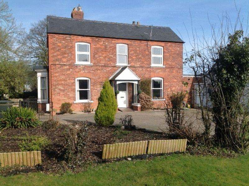 2 Bedrooms Semi Detached Bungalow for sale in Main Road, Maltby Le Marsh, Near Alford