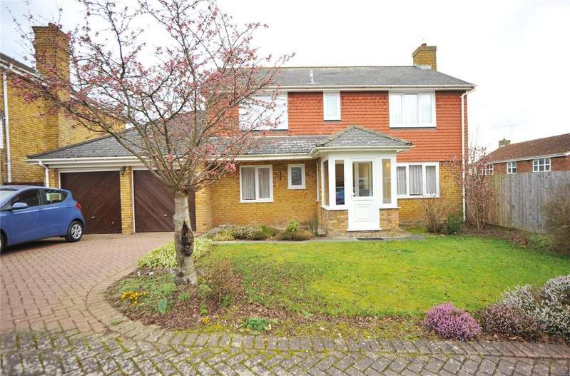4 Bedrooms Detached House for sale in Marlowe Close, Billericay, Essex, CM12
