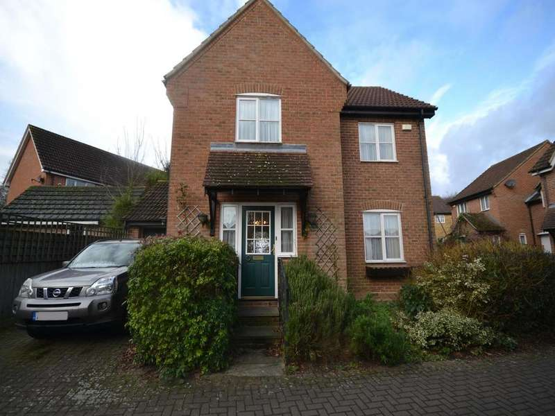 3 Bedrooms Detached House for sale in Heywood Lane, Dunmow, Essex, CM6