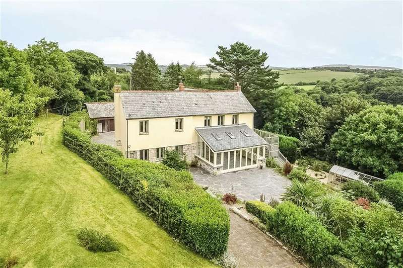 4 Bedrooms Detached House for sale in Trelyon, Grampound Road, Truro, Cornwall, TR2