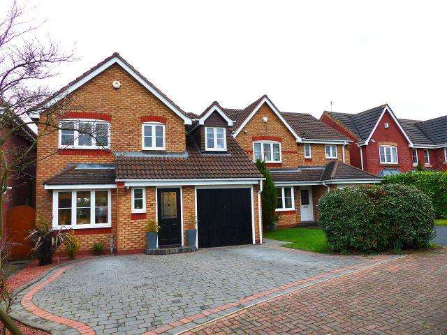 3 Bedrooms Detached House for sale in Newbury Road,Norton Canes,Staffordshire