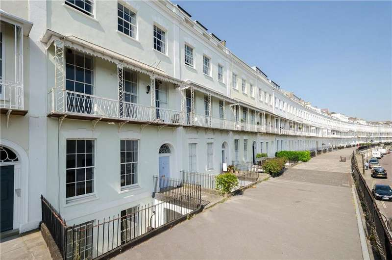 2 Bedrooms Flat for sale in Royal York Crescent, Clifton, BS8