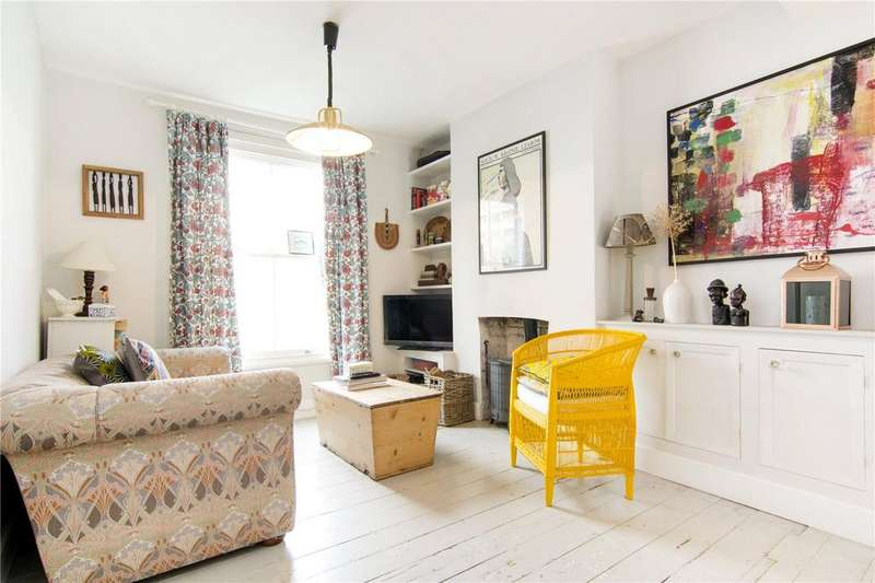 2 Bedrooms Terraced House for sale in Cassland Road, Hackney, London, E9
