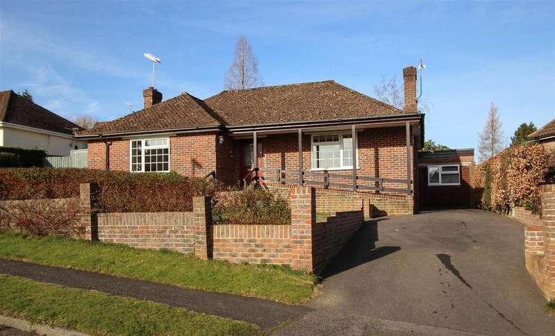 4 Bedrooms Bungalow for sale in Fairfield Way, Haywards Heath