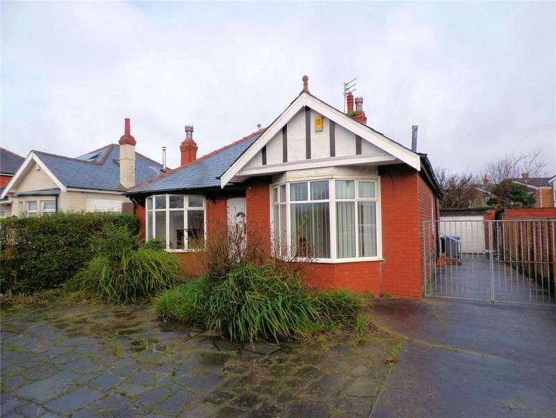 2 Bedrooms Detached Bungalow for sale in Poulton Road, Blackpool, Lancashire
