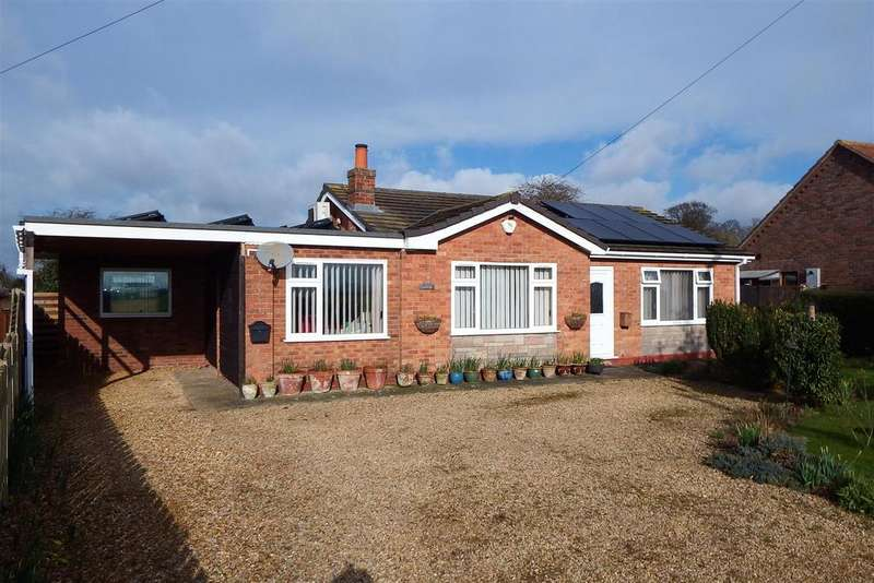 3 Bedrooms Detached Bungalow for sale in Church End, Fleet
