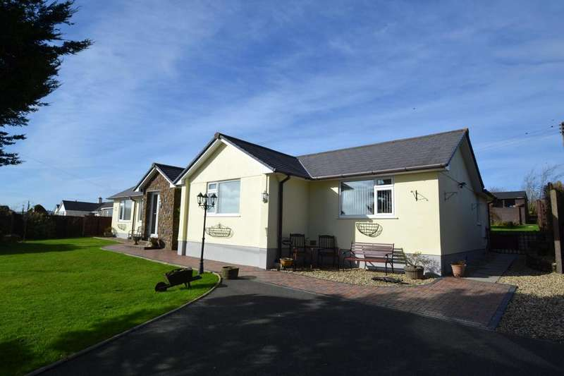 3 Bedrooms Bungalow for sale in Hartland, Bideford