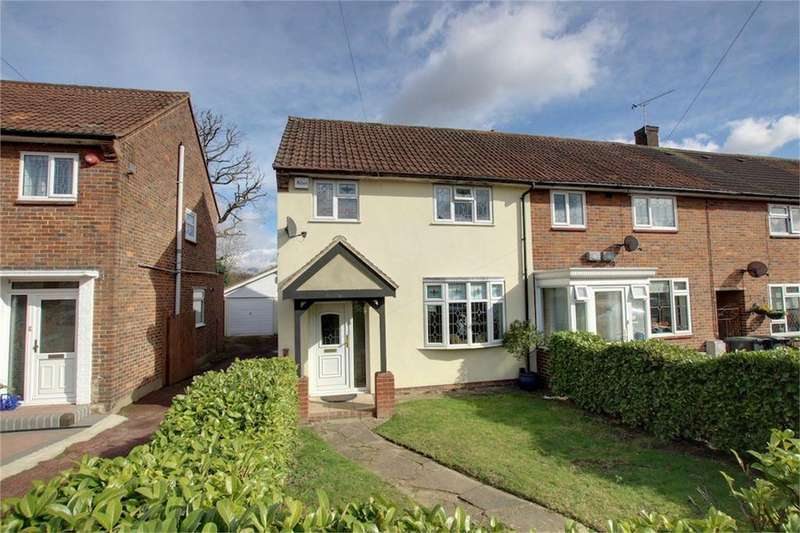 3 Bedrooms End Of Terrace House for sale in Willingale Road, Loughton, Essex