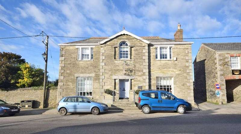 4 Bedrooms Detached House for sale in Tregony, Nr. Truro, Cornwall, TR2
