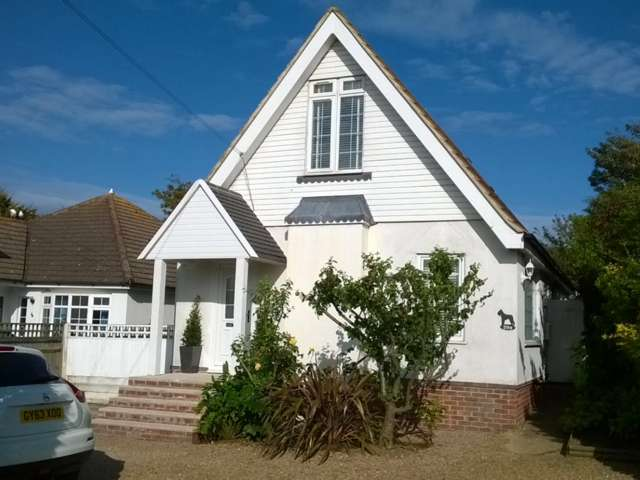 3 Bedrooms Detached House for sale in Telscombe Cliffs Way, Telscombe Cliffs, East Sussex