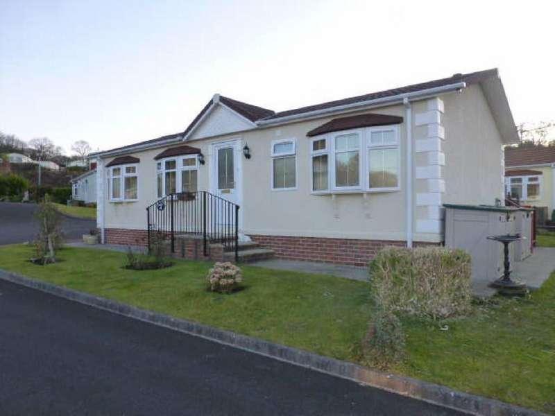 2 Bedrooms Bungalow for sale in Schooner Park, New Quay, Ceredigion