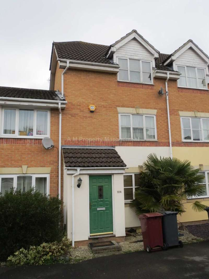 4 Bedrooms Town House for rent in Elm Park, Reading