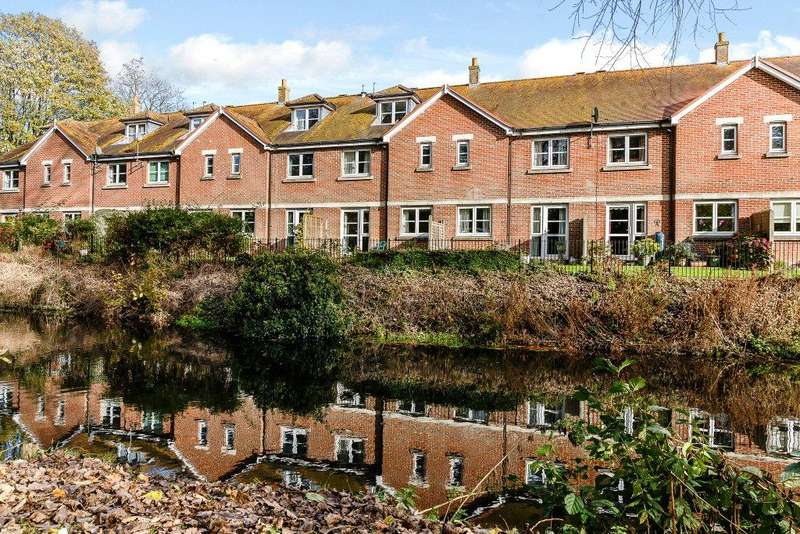 3 Bedrooms Retirement Property for sale in Archers Court, Salisbury, Wiltshire, SP1