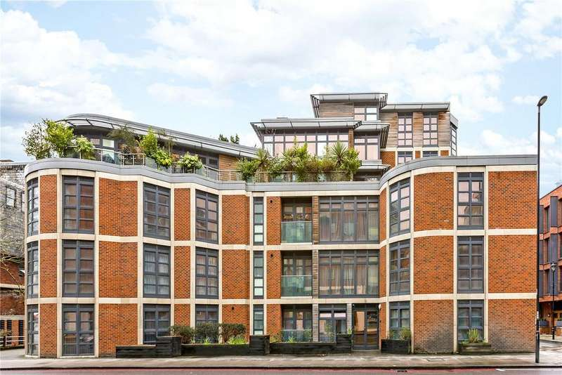 2 Bedrooms Flat for sale in Westrovia Court, Moreton Street, London